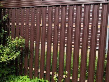 М-образный / фигурный штакетник Grand Line Покрытие GreenCoat Pural Matt